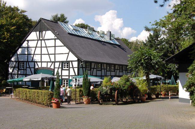 the 10 best restaurants in essen germany. Black Bedroom Furniture Sets. Home Design Ideas