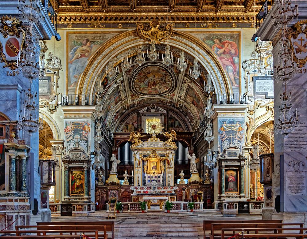 hurch of Santa Maria in Aracoeli |©Zoran Karapancev / Shutterstock