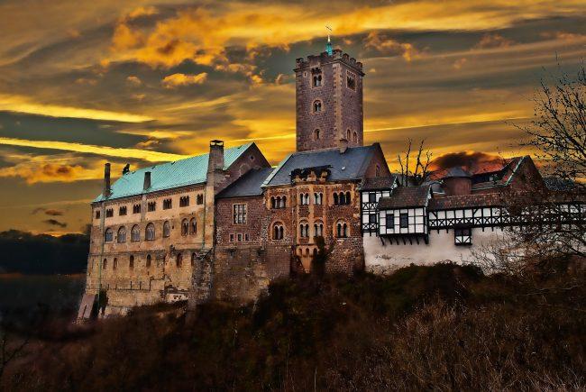 https://cdn.theculturetrip.com/wp-content/uploads/2015/07/wartburg-castle-650x435.jpg