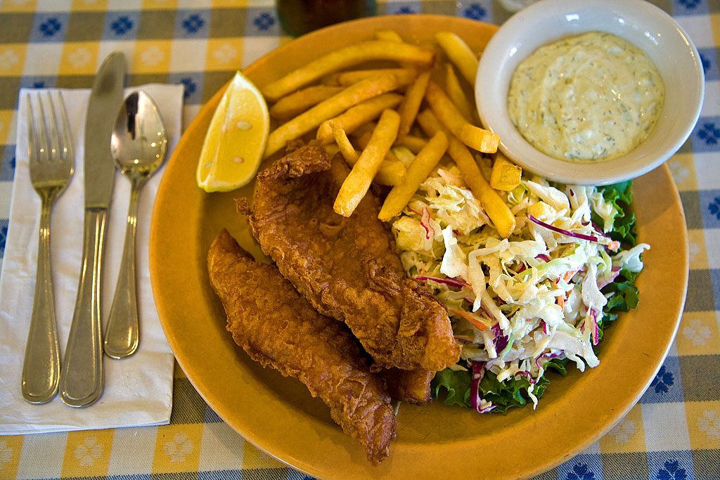 Fish and chips | © pointnshoot/Flickr