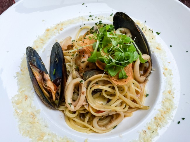 Seafood pasta| ©ultrakml/flickr