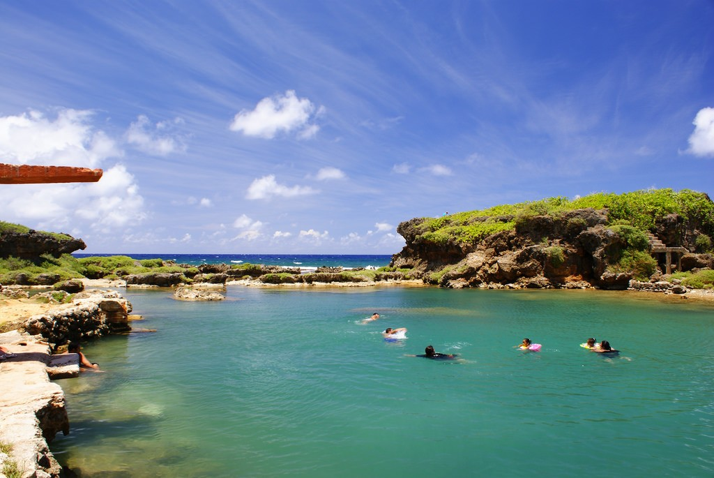 Swimming Guam | ©Tony Chen/Flickr