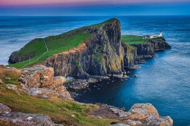 Neist Point at the tip of the Duirinish peninsula  © Oliver Clarke/Flickr