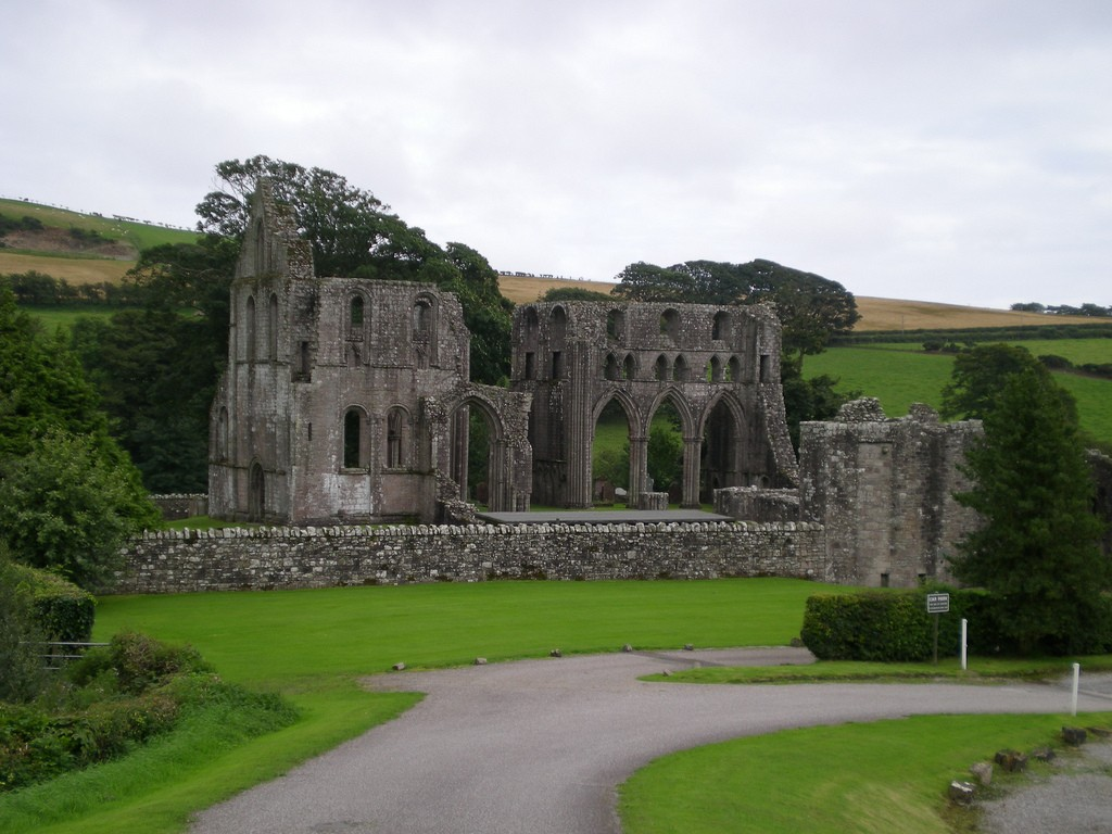 Dundrennan Abbey near Kirkcudbright © Chez Eskay/Flickr