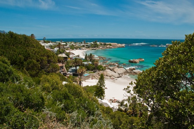 PROGraeme Churchard Follow Along the shore from Camps Bay to Clifton   © Graeme Churchard/Flickr