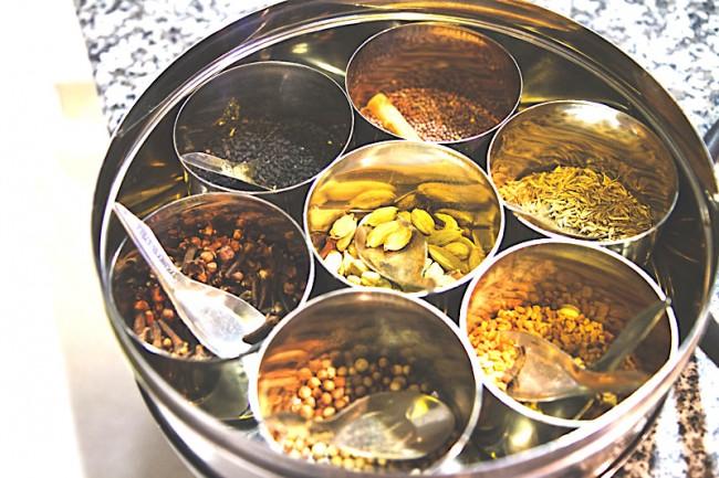 Indian spices | © ALlisson H/Flickr
