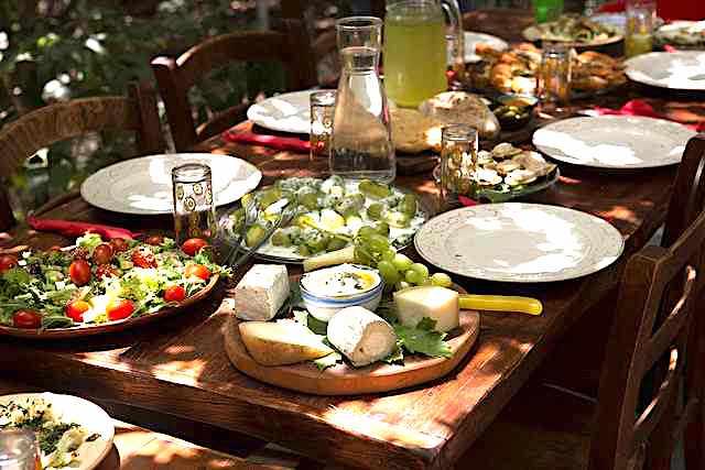 Light lunch | © Israel_photo_gallery/Flickr