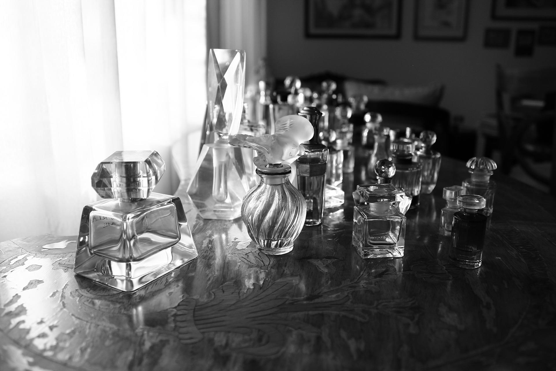 perfume bottles | © pixabay