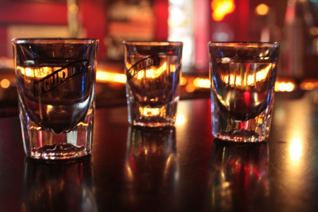 Shots | © bl0ndeeo2/Flickr