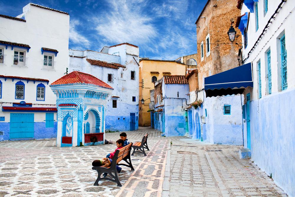Square of Chefchaouen Medina © Zzvet/Shutterstock