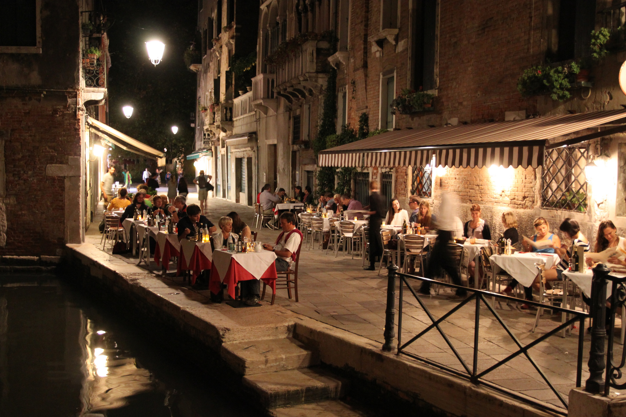 The Best Romantic Restaurants In Venice Italy