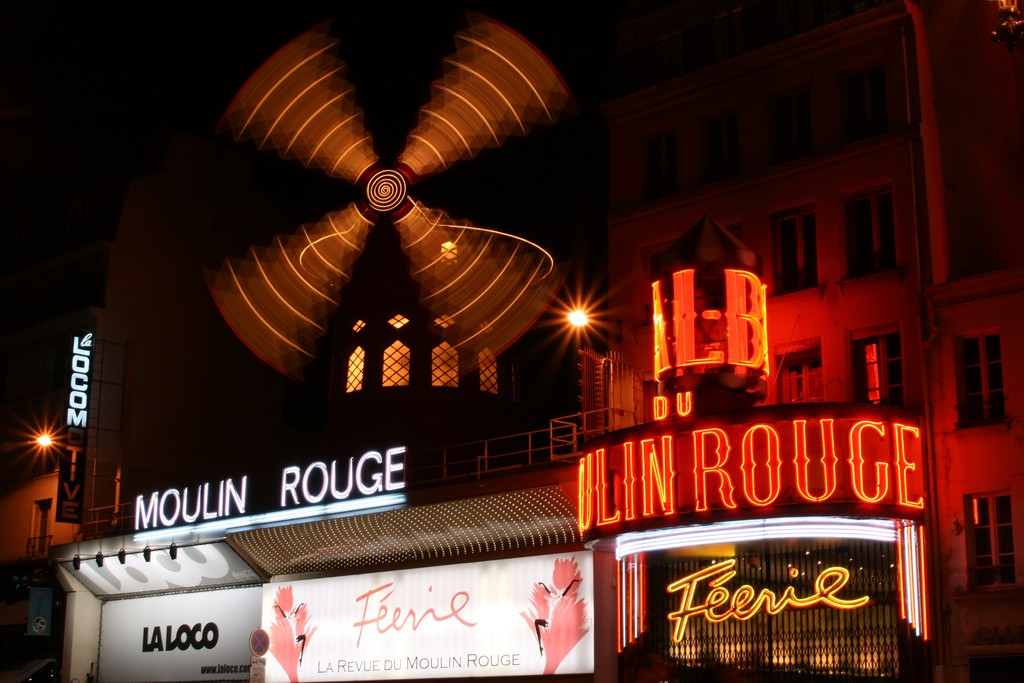 The Moulin Rouge | ©Dennis Trigylidas/Flickr
