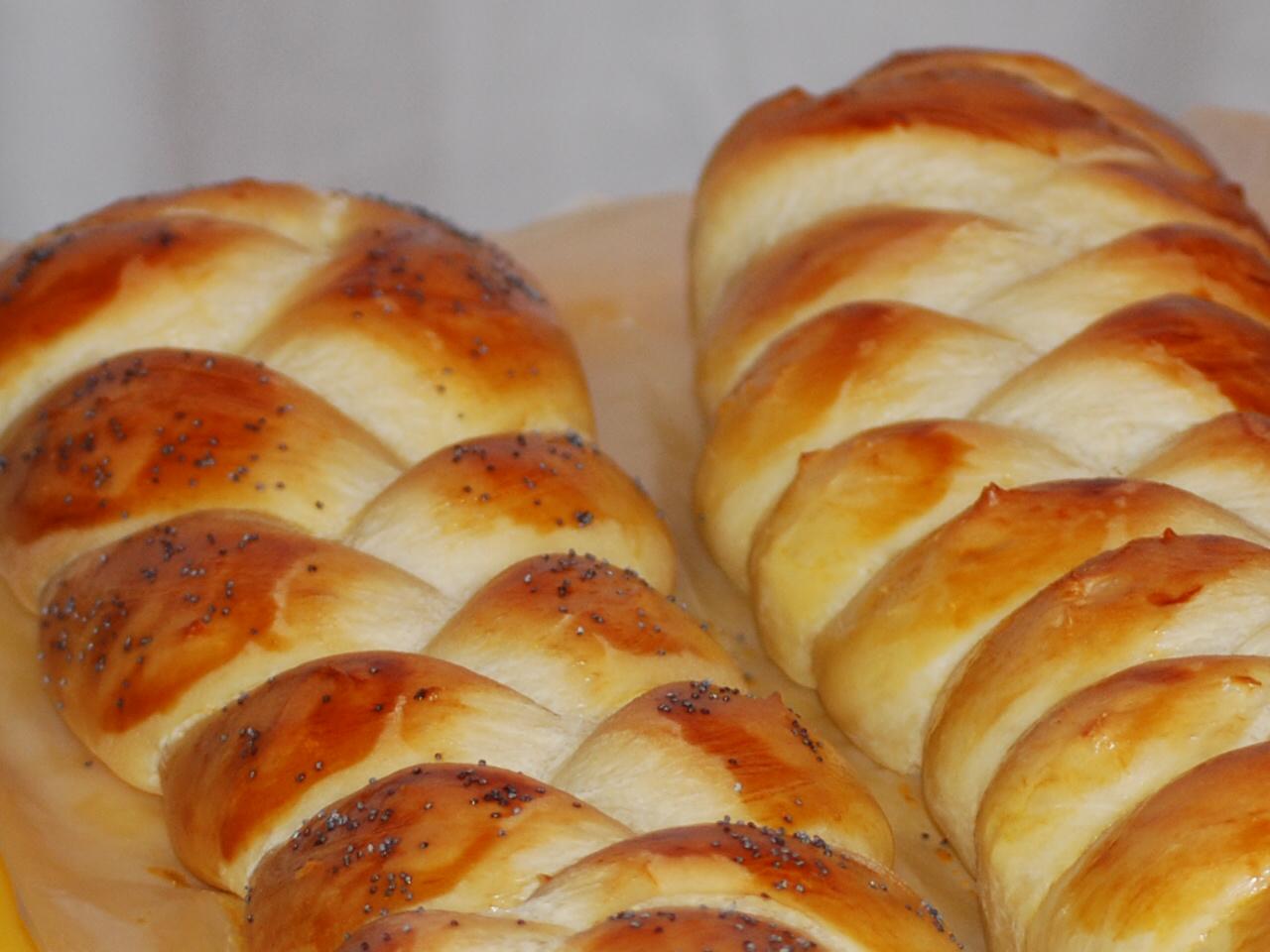 Challah bread  |  © Edgar Zuniga Jr./Flickr