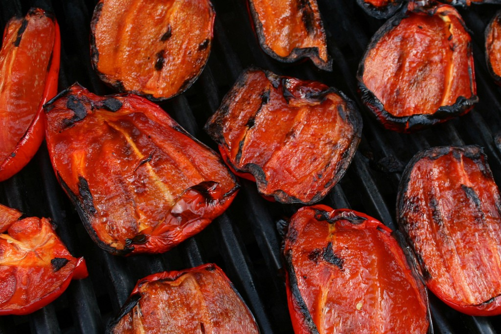 Barbecued Red Bell Peppers | ©woodleywonderworks/Flickr