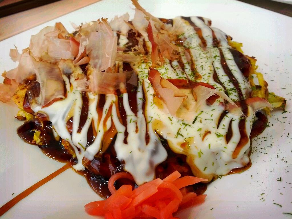 Okonomiyaki © Hajime NAKANO