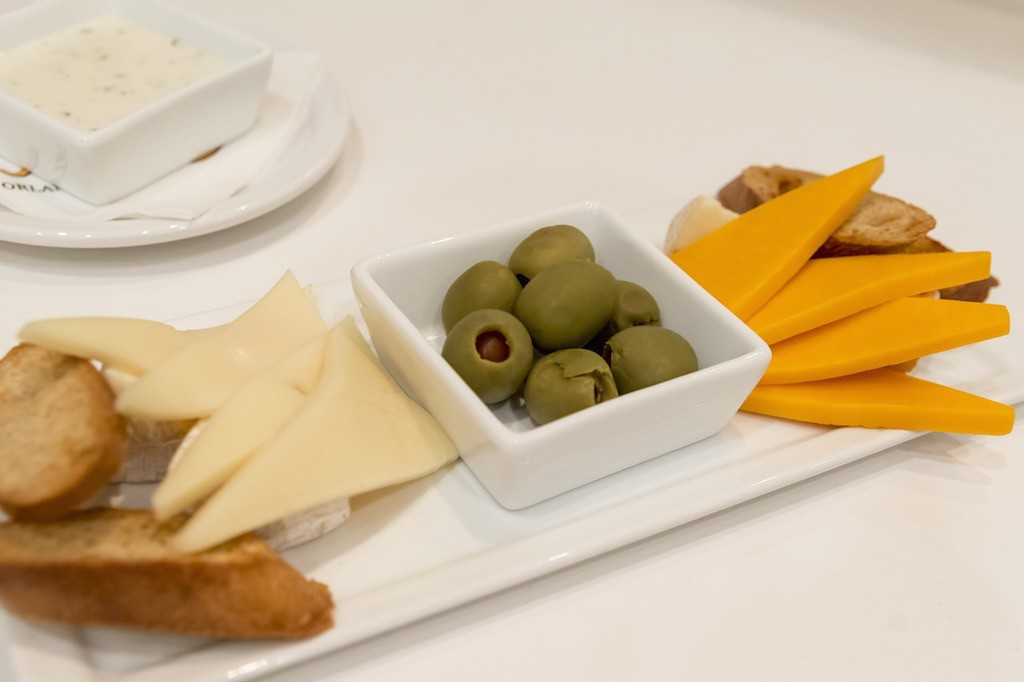 Apart from the brunch, the delicious cheese plate is extremely recommended / Pixabay