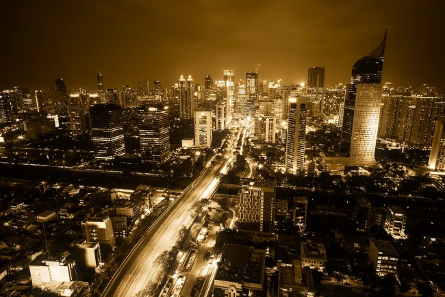 Jakarta at Night | © tpsdave/Pixabay