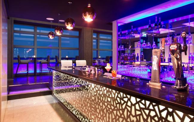 Jazz & Fizz Bar | Courtesy of the Jazz & Fizz Bar