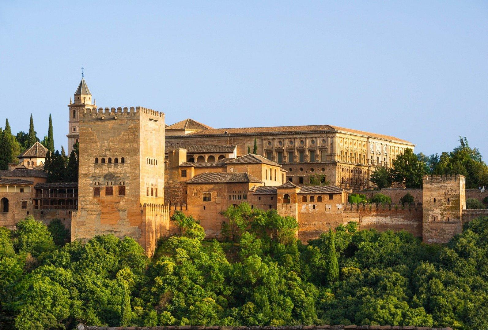 Granada, Spain © Pixabay