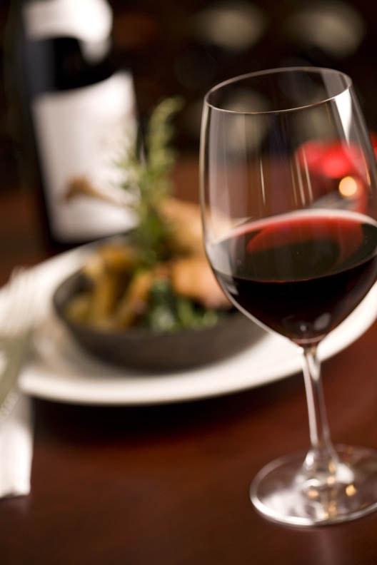 Red Wine Evening | © Emiliano De Laurentiis / Flcikr