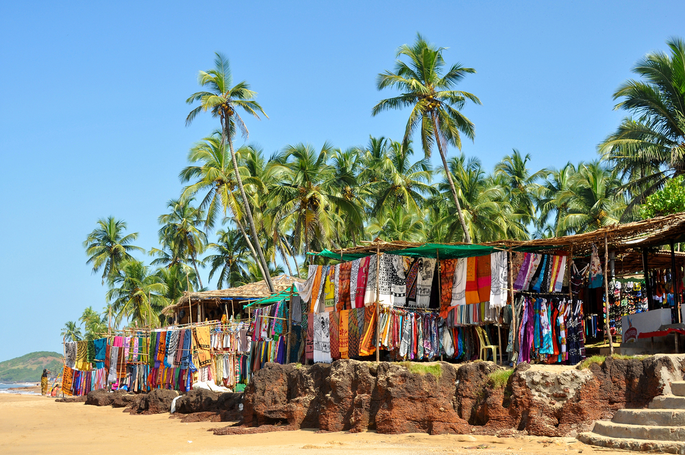Souvenirs for tourists at the day market in Anjuna | © Olga Vasilyeva/Shutterstock