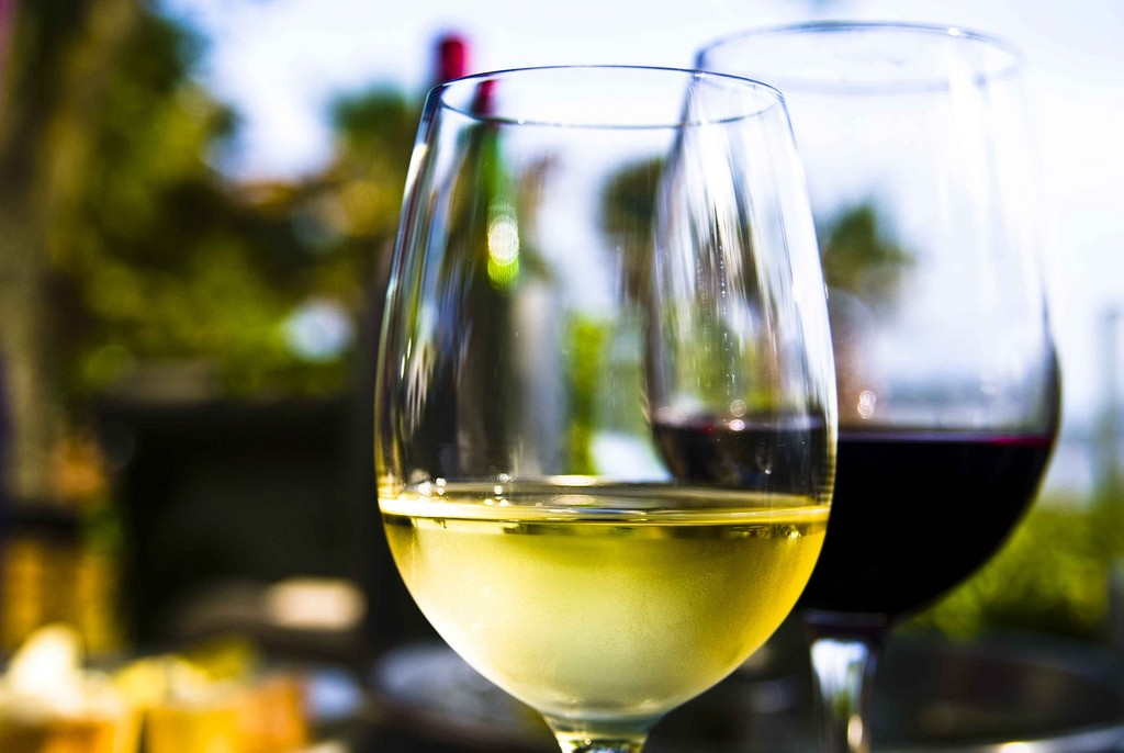 Wine at Saltus | © Ken Hawkins/Flickr
