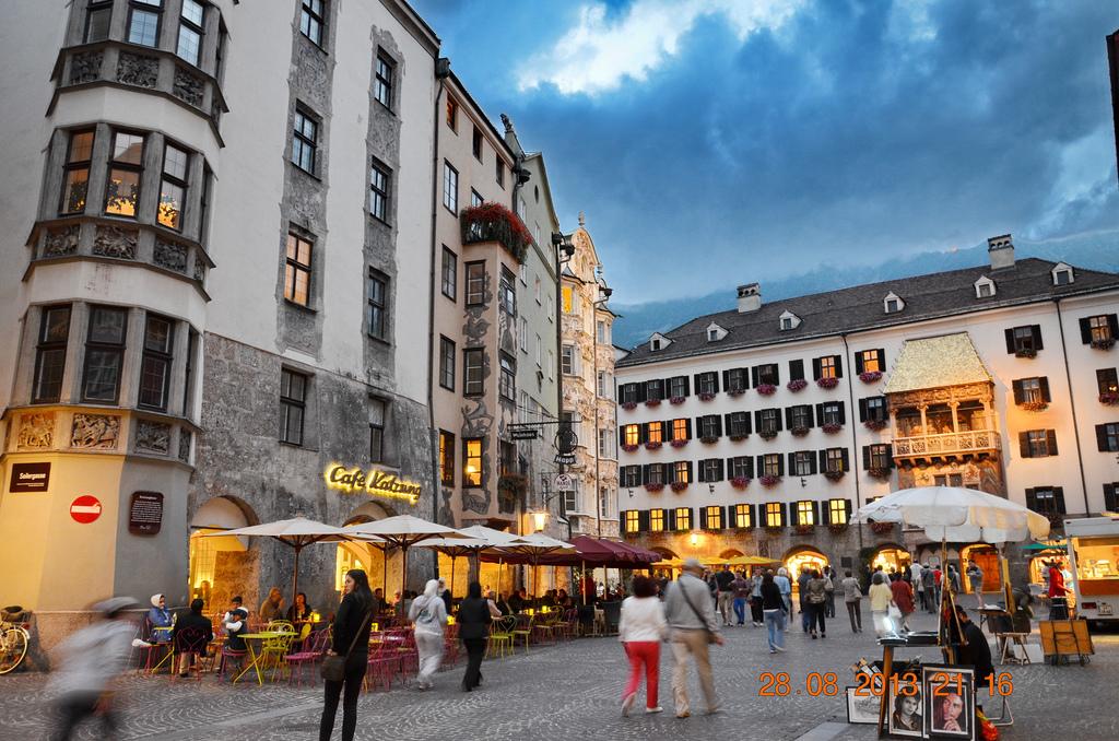 the best restaurants in innsbruck 39 s old town. Black Bedroom Furniture Sets. Home Design Ideas