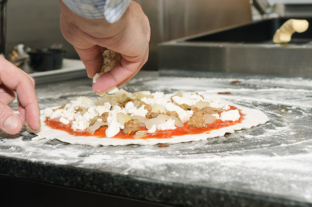 Making Pizza | © Kurman Communications, Inc./Flickr