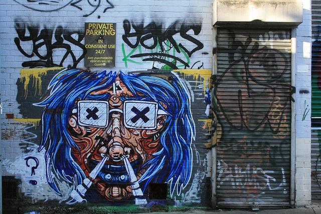 Street art on Moon Street | © KylaBord/Flickr