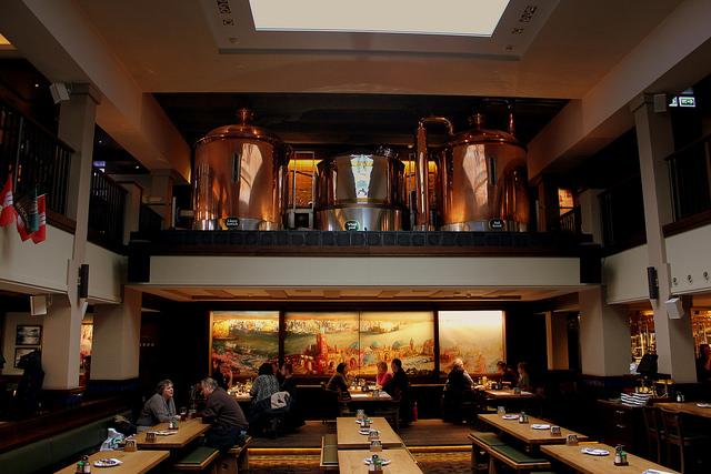 the best beer halls in hamburg. Black Bedroom Furniture Sets. Home Design Ideas