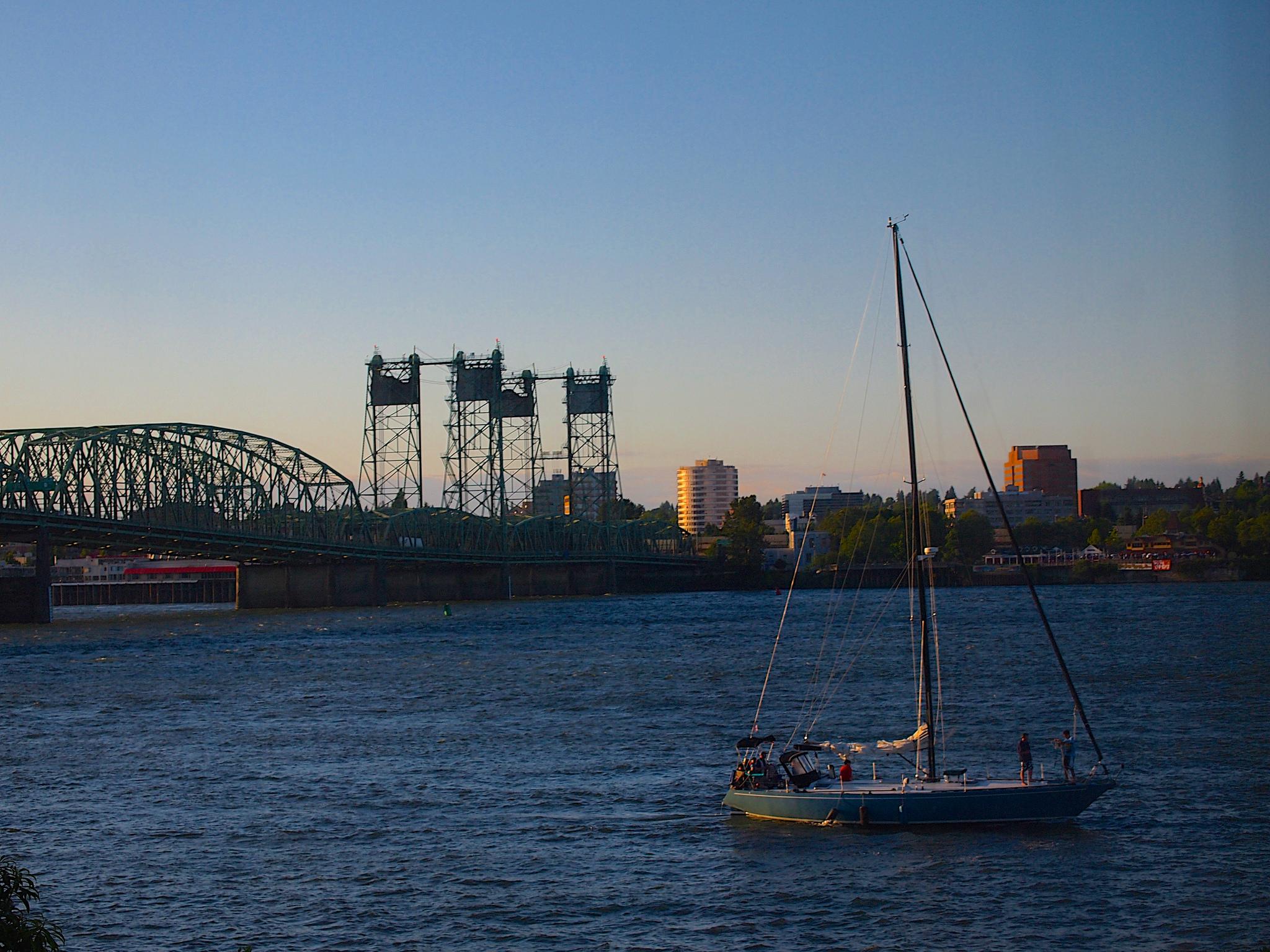 Sailboat on Columbia River   ©Sarah Sammis/Flickr