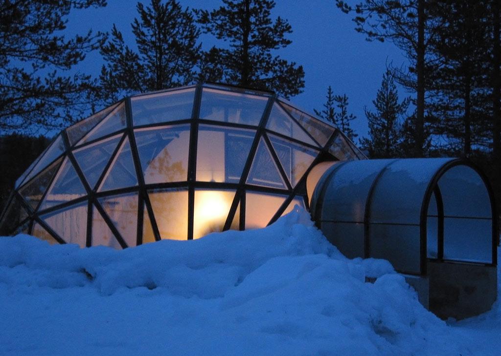 Glass Igloo at Hotel Kakslauttanen in Finland © Greenland Travel/Flickr