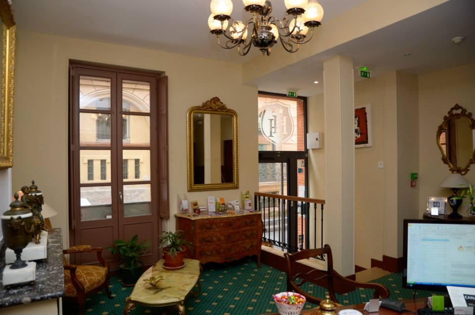 La réception vue d'ensemble | Courtesy of Hôtel Héliot TOULOUSE