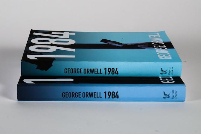 Copies of the book 1984 | © Colin Dunn/Flickr