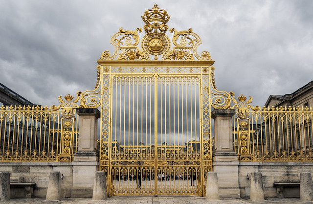 the best hotels to book in versailles. Black Bedroom Furniture Sets. Home Design Ideas