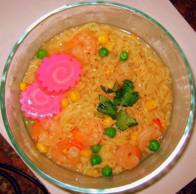 Ramen noodles I © aJ Gazmen/Flickr
