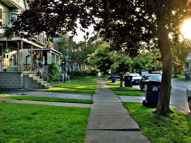 Neighborhood   © Chris Dlugosz/Flickr