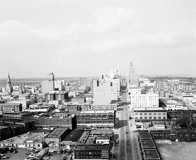 Tulsa, OK Downtown | © army.arch/Flickr