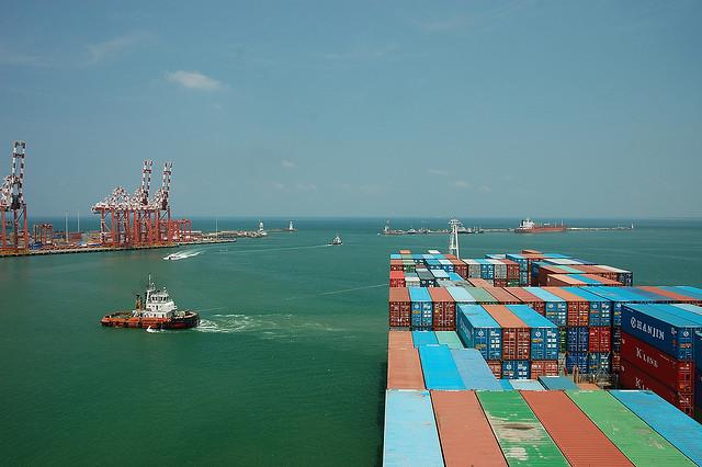 Port of Colombo| © jgmorard/Flickr