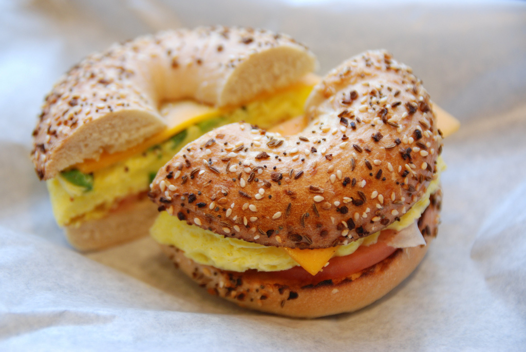 Egg and Cheese Bagel | © Jonathan McIntosh/Flickr