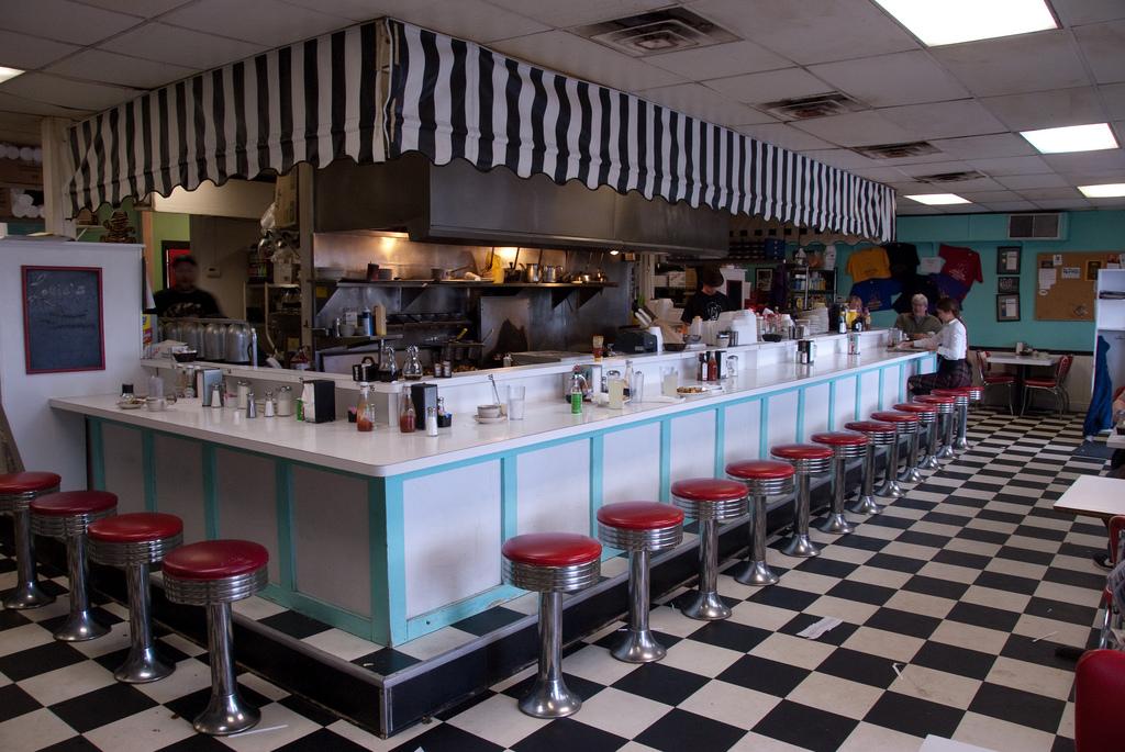 Inside Louie's Cafe | © Mikko Saarisalo/Flickr