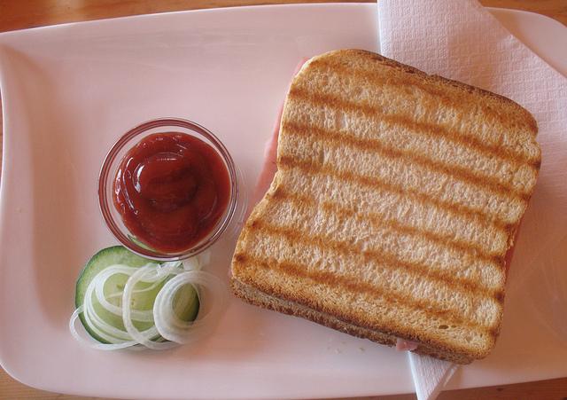 Toast I © Stiefen Schlingen/Flickr
