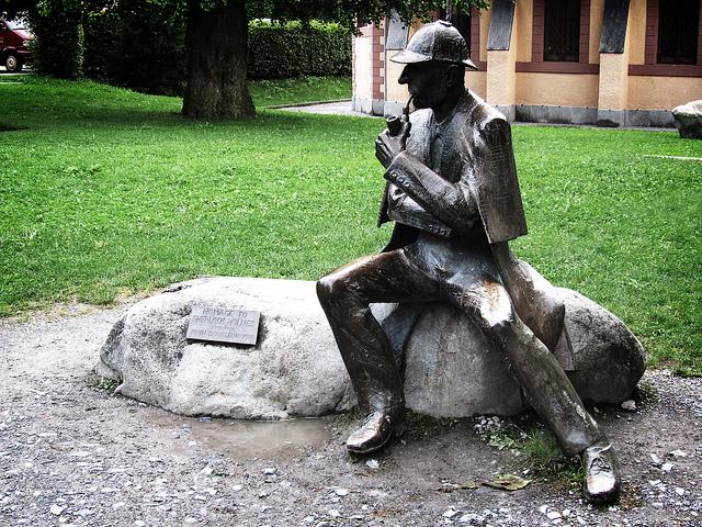 Statue of Sherlock Holmes I © David Jones/Flickr