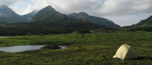 Camping out in Chugach State Park, Alaska | © Paxson Woelber/Flickr