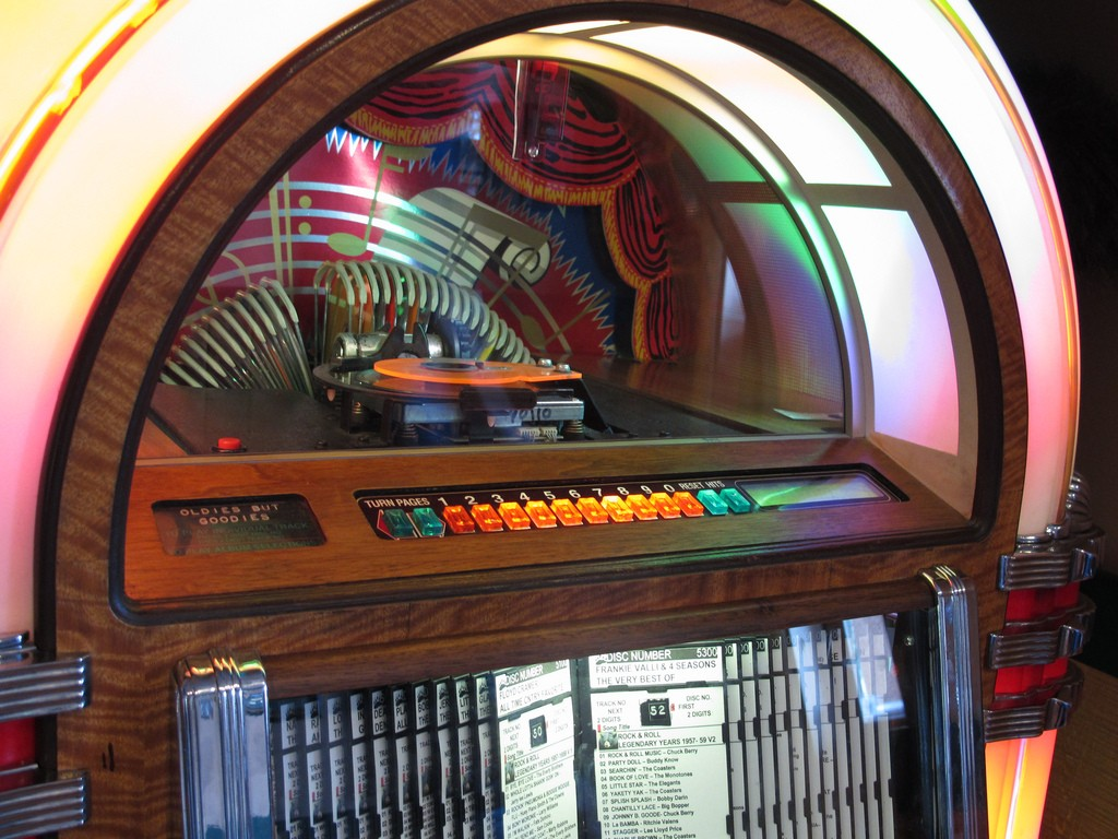 Jukebox | ©Eden Hensley Silverstein/Flickr