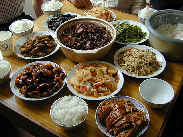 640px-Chinese_meal