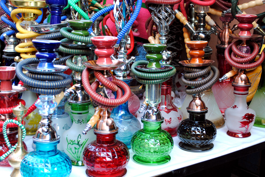 Hookah Pipes in the Marrakech Souq | © Calt/Flickr