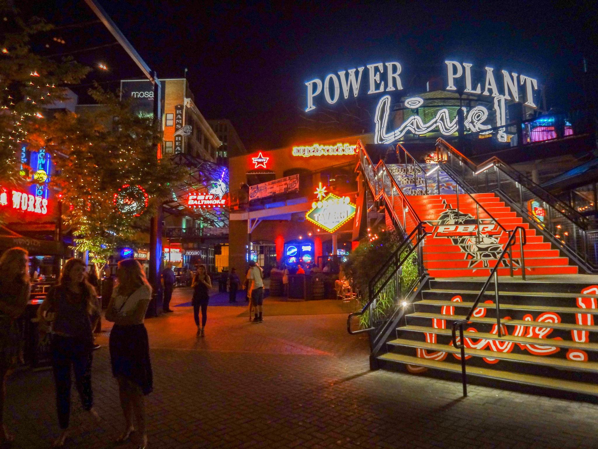 Power Plant Live! © Paul SablemanFlickr