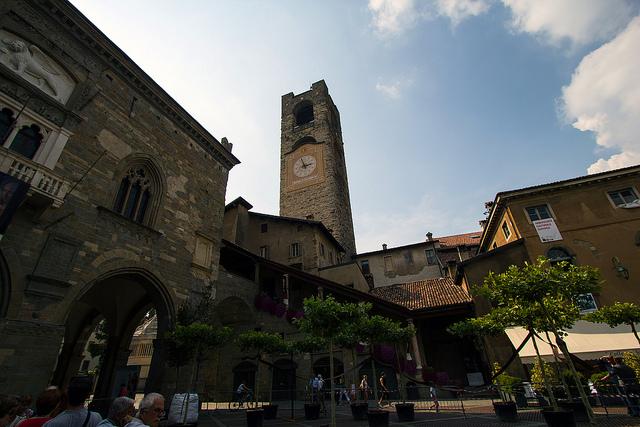 Piazza Vecchia, Torre del Companone © Alex/Flickr