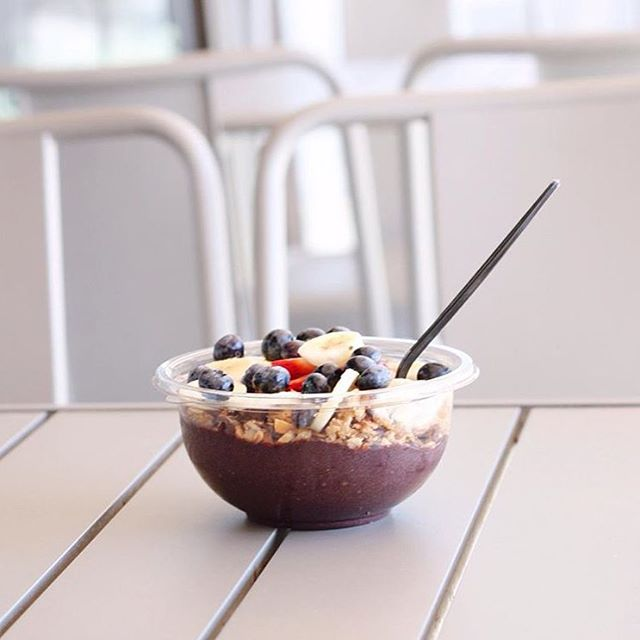 A tempting acai bowl | Courtesy of Aubergine & Company
